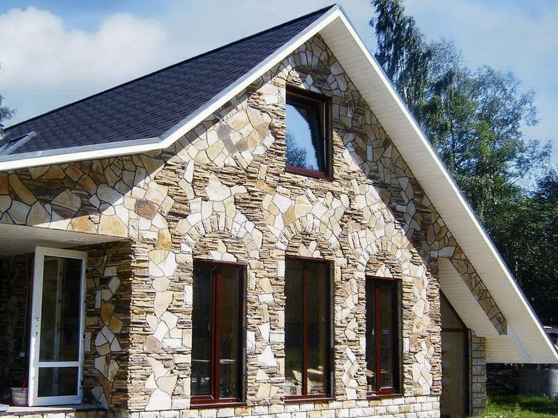 Фасады домов из камня фото
